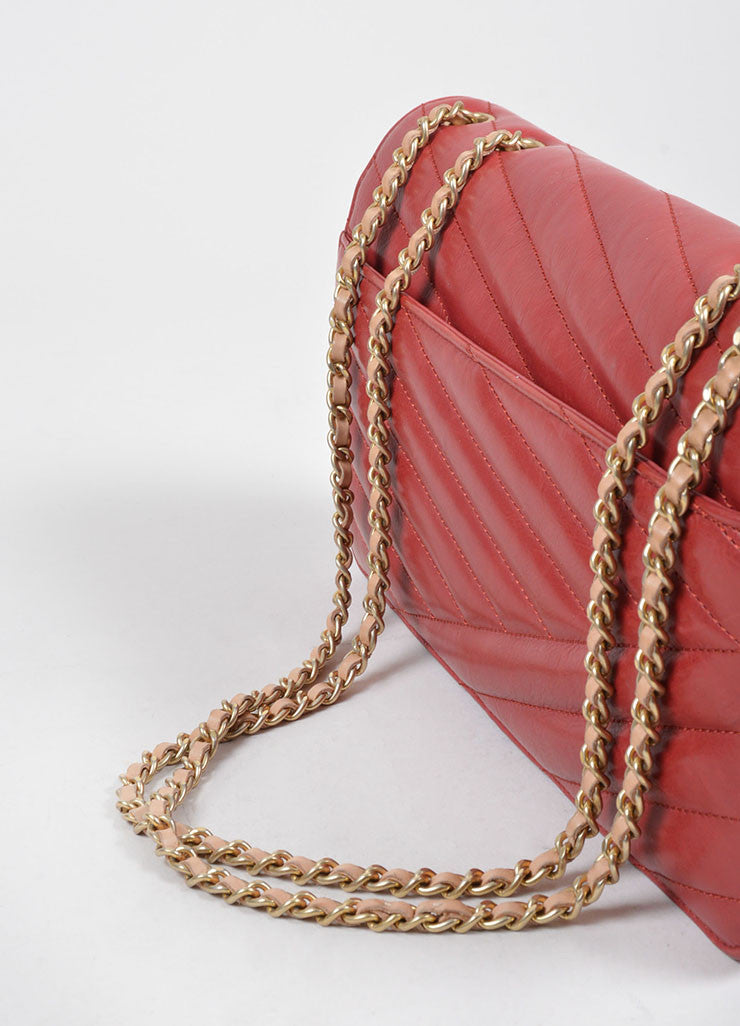 Red Leather Gold Toned Chanel Diagonal Stitched Reissue Flap Shoulder Bag Detail 2