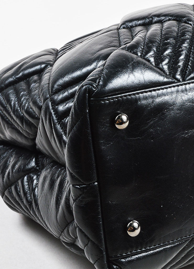 Chanel Black Leather Quilted and Padded 'CC' Detailed Oversize Hobo Bag Detail
