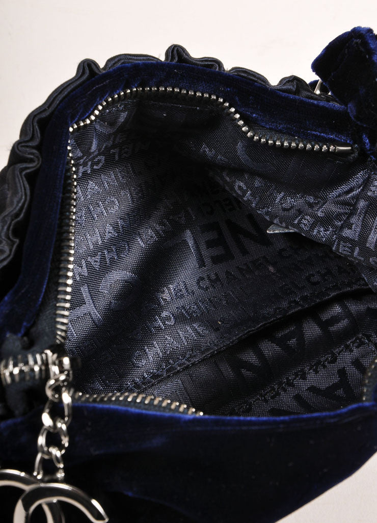 Chanel Navy Blue and Silver Toned Velvet Chain Strap Small Handbag Interior