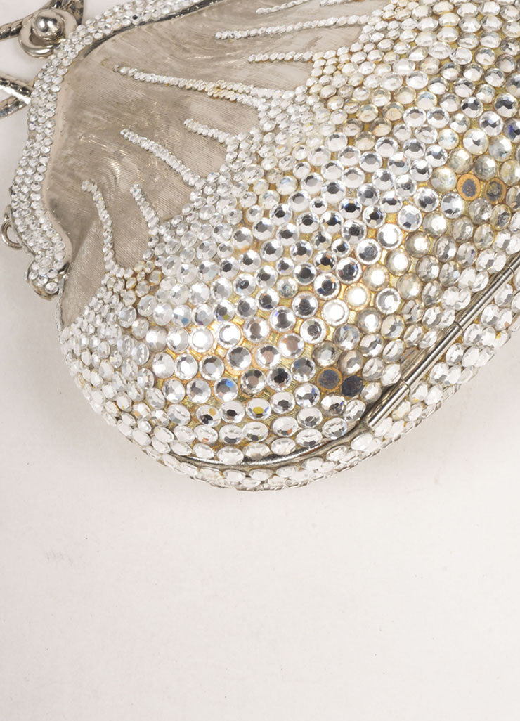 Judith Leiber Silver Toned Metal Rhinestone Embellished Shell Chain Strap Clutch Bag Detail