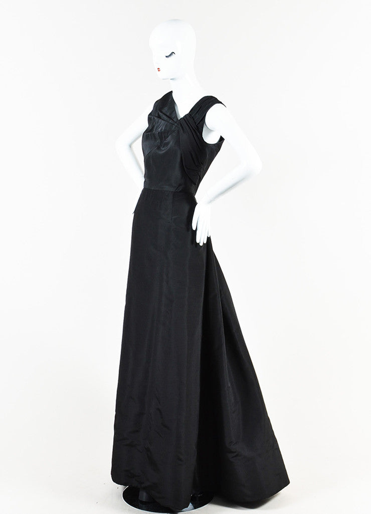 Oscar de la Renta Black Silk Pleated Sleeveless Full Length Gown Sideview
