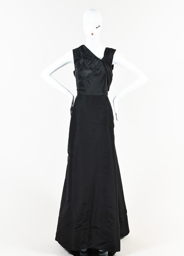 Oscar de la Renta Black Silk Pleated Sleeveless Full Length Gown Frontview