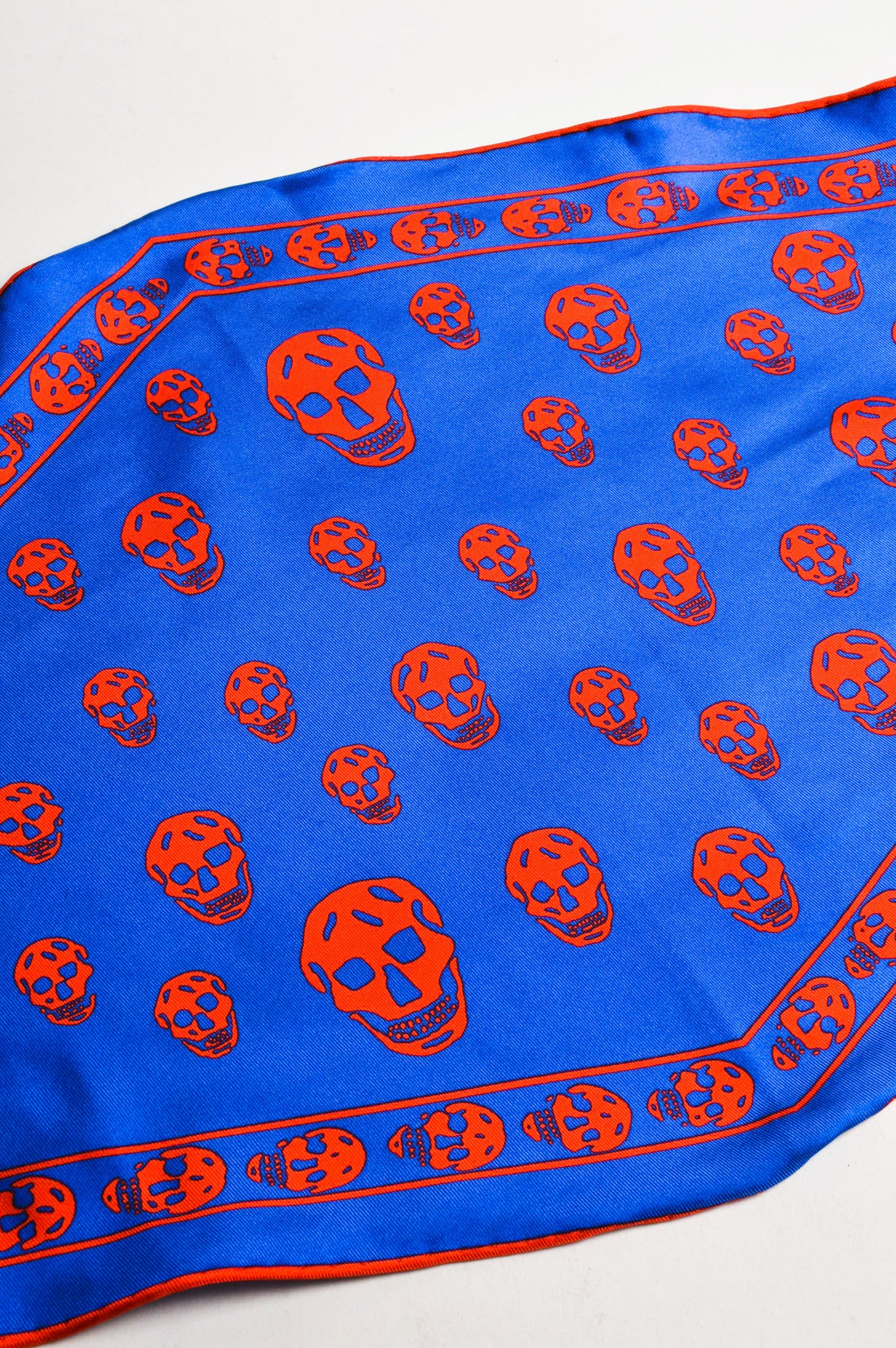 Alexander McQueen Blue and Red Silk Skull Print Diamond Scarf Detail