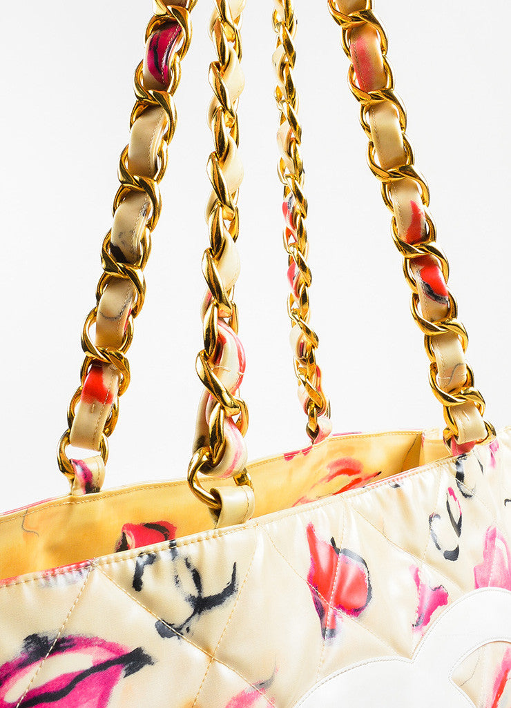 Chanel Cream Quilted Lip Print 'CC' Stitched Gold Hardware Chain Bag Detail 3