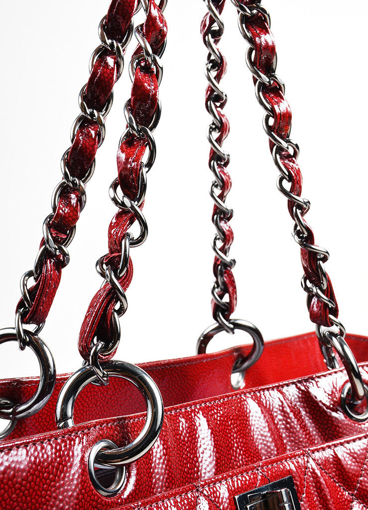 Red Ombre Chanel Glazed Caviar Leather Quilted Tote Bag Detail 2