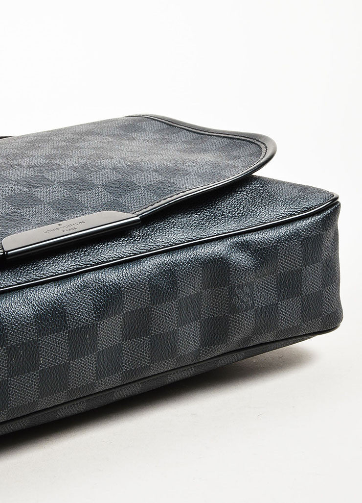 "Louis Vuitton Damier Graphite Coated Canvas ""Daniel"" Top Flap Messenger Bag Bottom View"