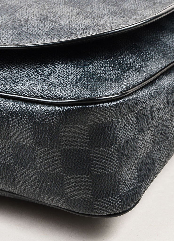 "Louis Vuitton Damier Graphite Coated Canvas ""Daniel"" Top Flap Messenger Bag Detail"