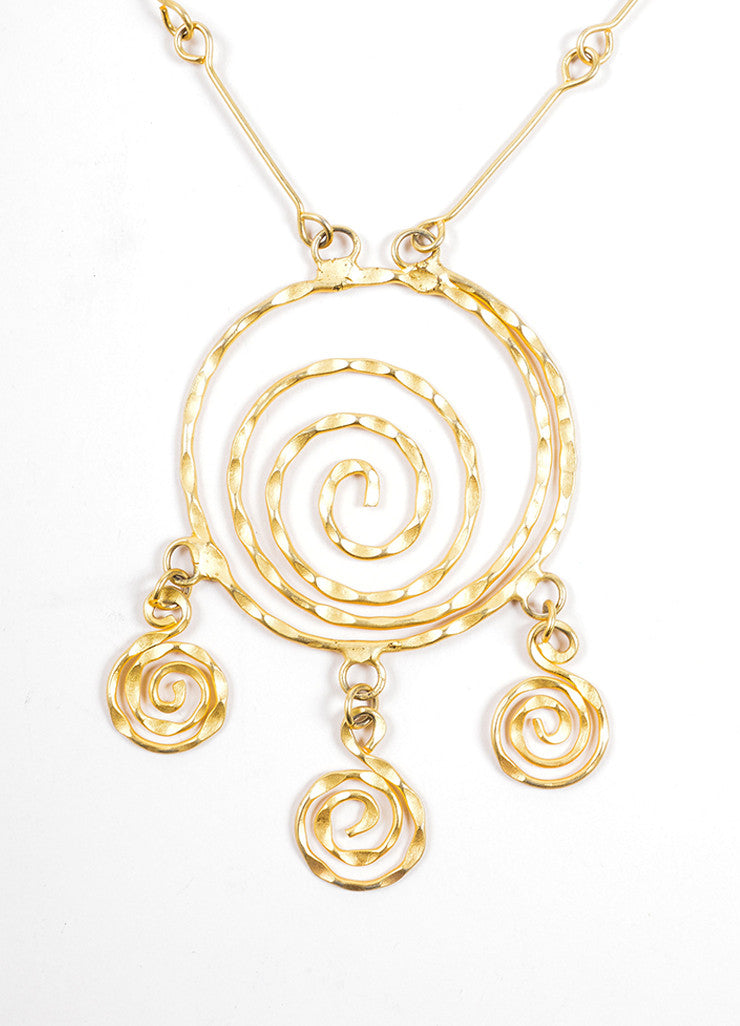 Vintage Matte Gold Toned Hammered Spiral Pendant Necklace Detail