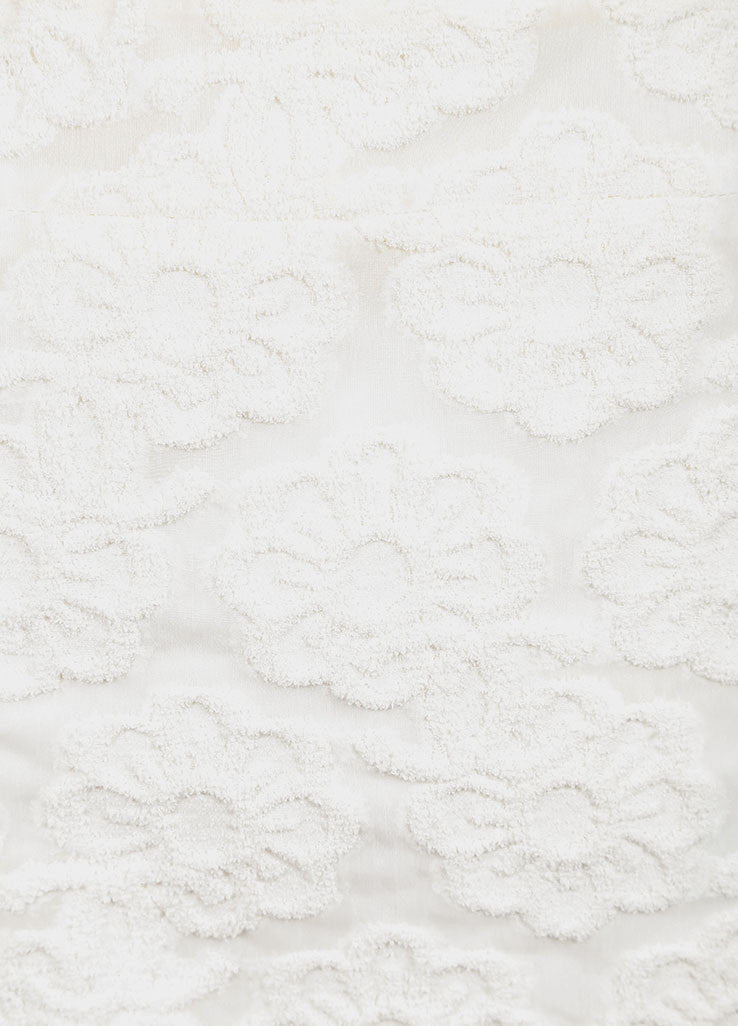 Chanel White Cotton Blend Flower Embroidered Pencil Skirt Detail