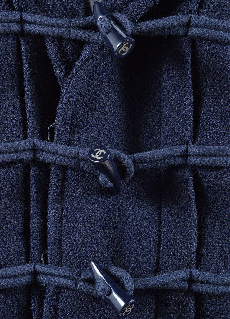 Chanel Navy Blue Wool Textured Hooded 'CC' Toggle Cropped Jacket Detail