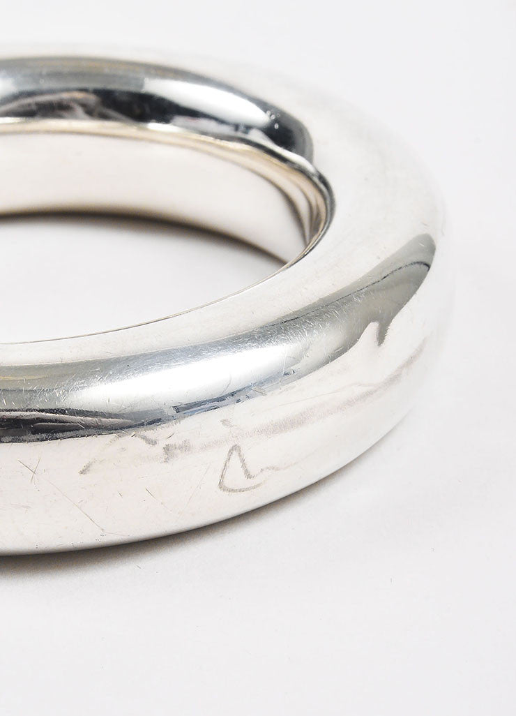 "Tiffany & Co. Elsa Peretti Sterling Silver ""Doughnut"" Bangle Bracelet Detail"
