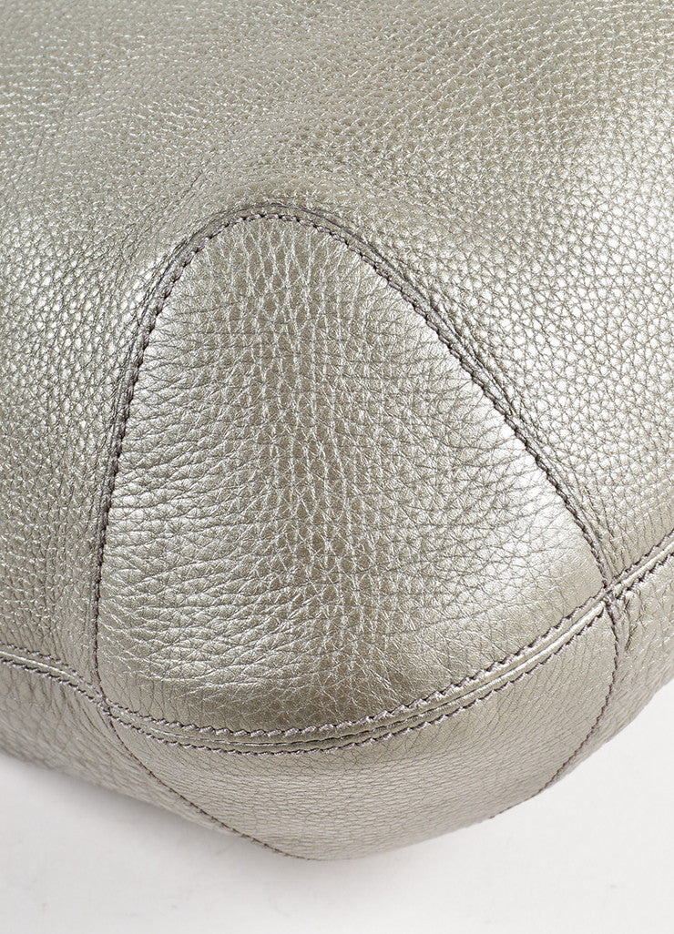 "Gucci Metallic Silver Pebble Leather Logo ""Soho"" Chain Strap Hobo Bag Detail"