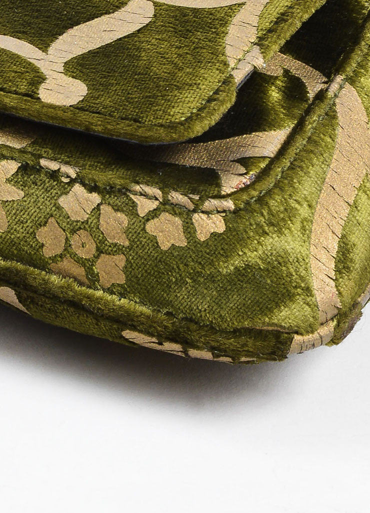 Green and Taupe Gucci Velvet Brocade Patterned Chain Link Strap Evening Bag Detail