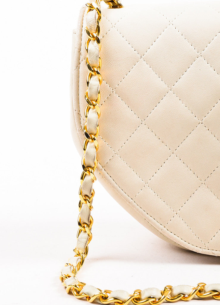 Chanel Cream Leather Quilted Hexagonal 'CC' Turn Lock Cross Body Flap Bag Detail 2