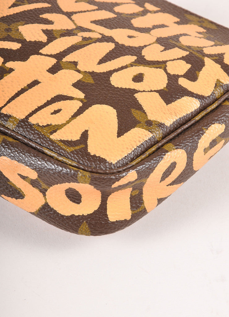 "Louis Vuitton x Stephen Sprouse Brown and Coral Monogram Canvas ""Graffiti"" Pochette Bag Detail"
