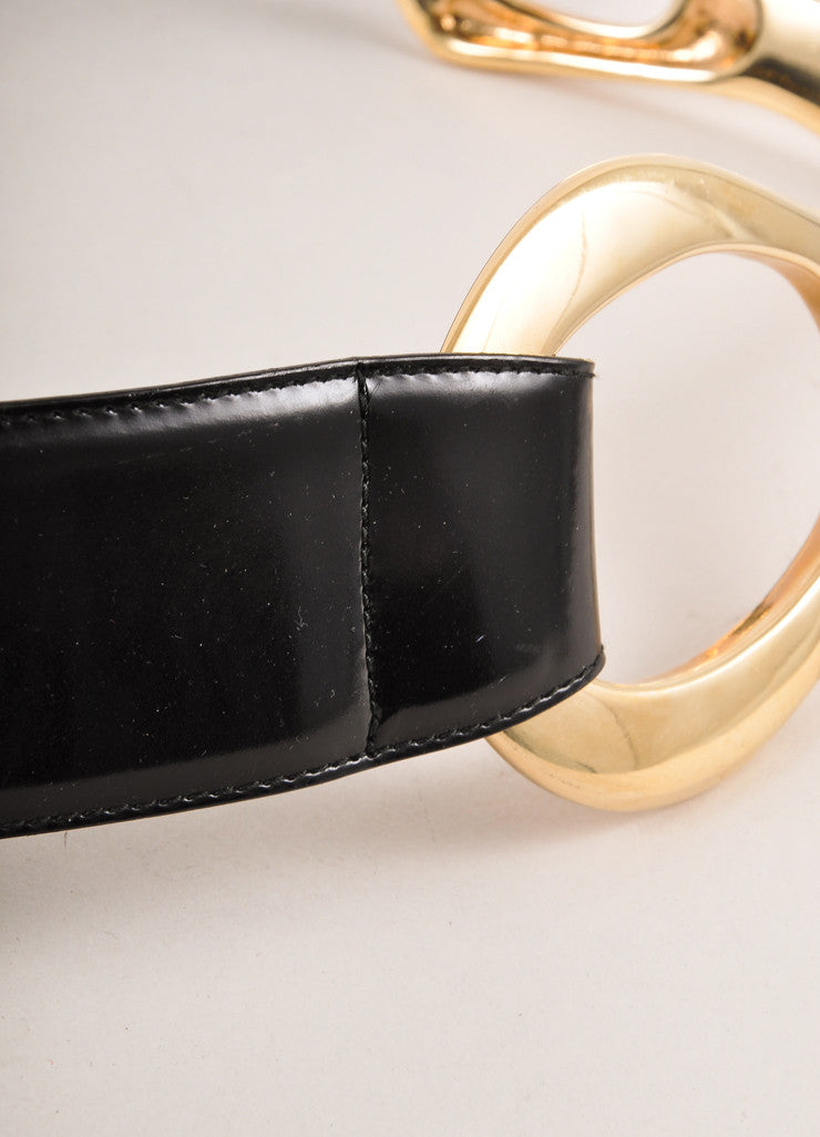 Gucci Black and Gold Toned Oversized Abstract Buckle Leather Belt Detail 2