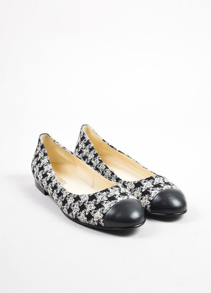 Chanel Black White Tweed Leather Cap Houndstooth Ballerina Flats Front