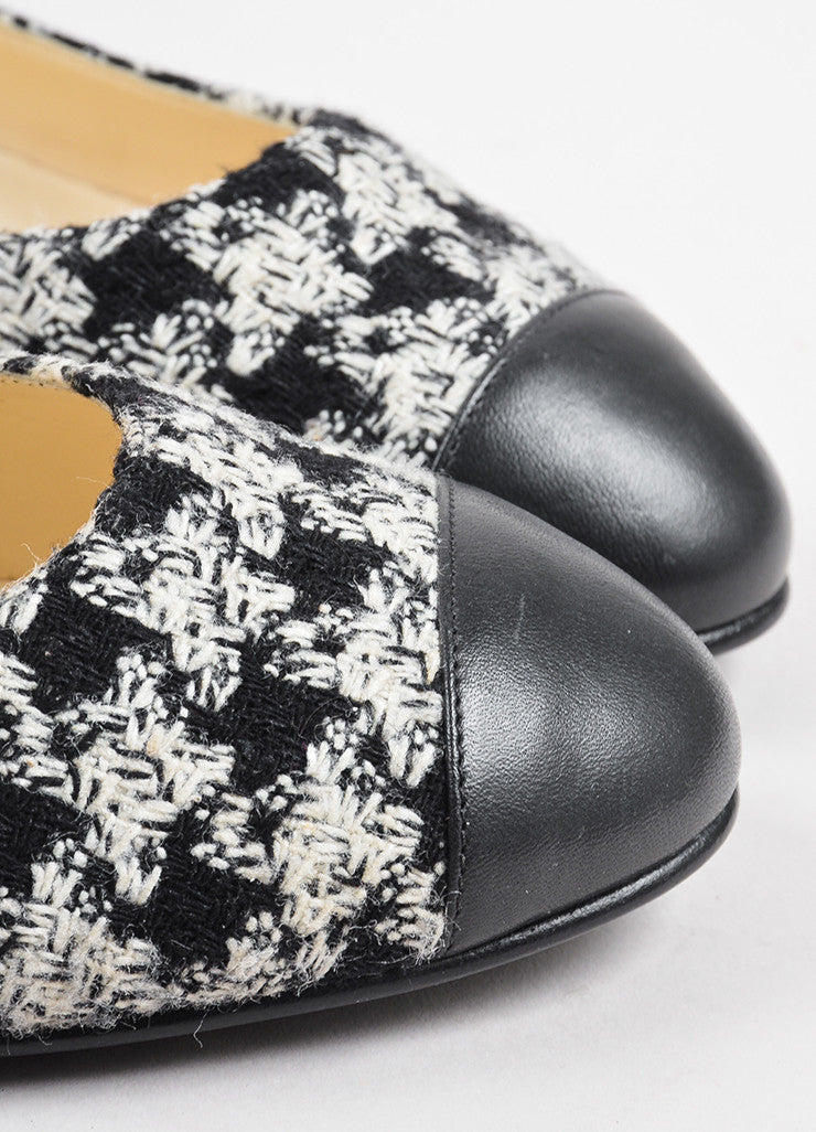 Chanel Black White Tweed Leather Cap Houndstooth Ballerina Flats Detail