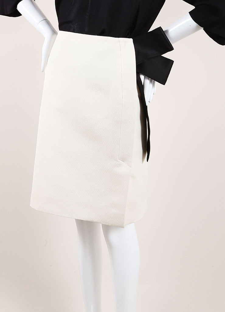 Lanvin Cream and Black Textured Knit Oversized Bow Pencil Skirt Sideview