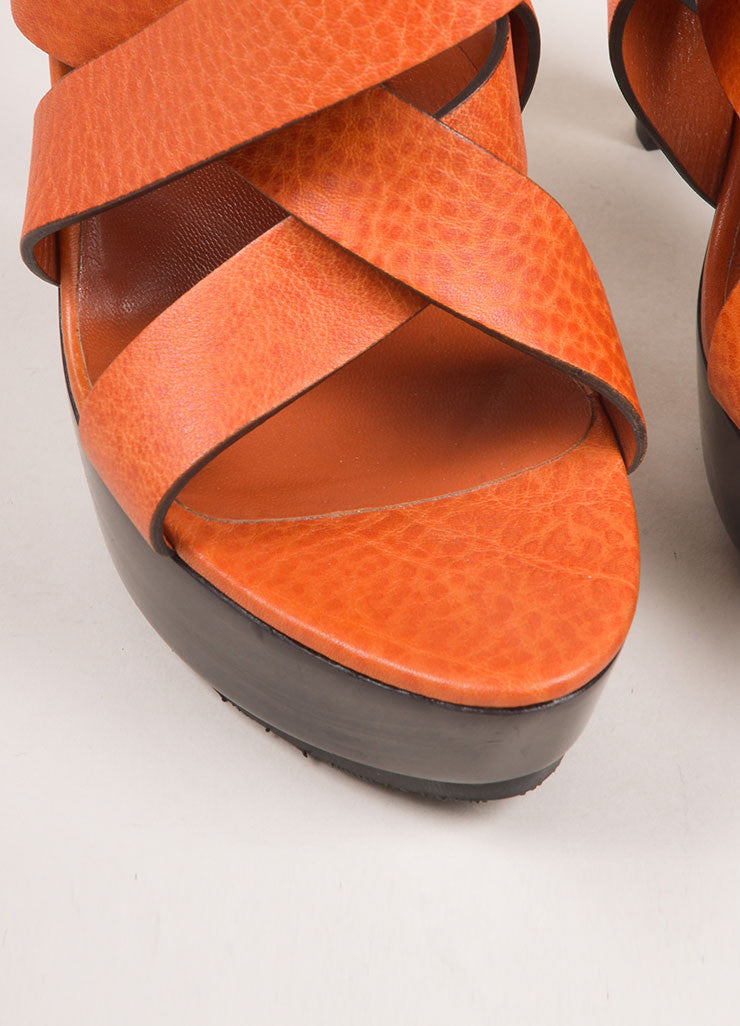 Gucci New Orange Leather Wood Platform Strappy Sandals Detail