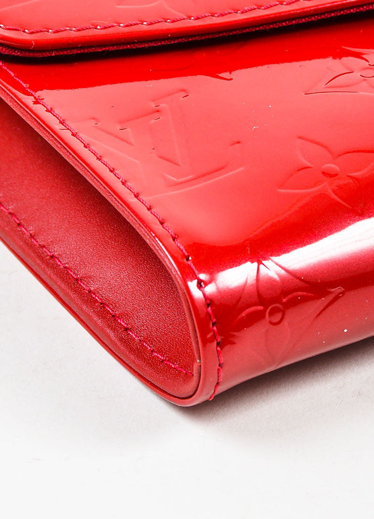 "Louis Vuitton Red Vernis Patent Leather Embossed Monogram ""Bel Air"" Chain Bag Detail"