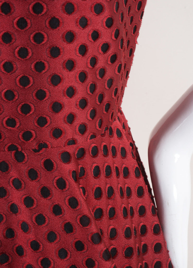 Giambattista Valli New With Tags Red and Black Eyelet Mesh Pleated Skater Dress Detail