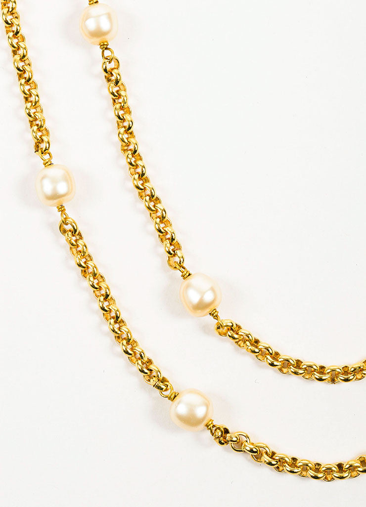 Gold Toned, Pink, and Green Chanel Gripoix Faux Pearl Flower Chain Necklace Detail
