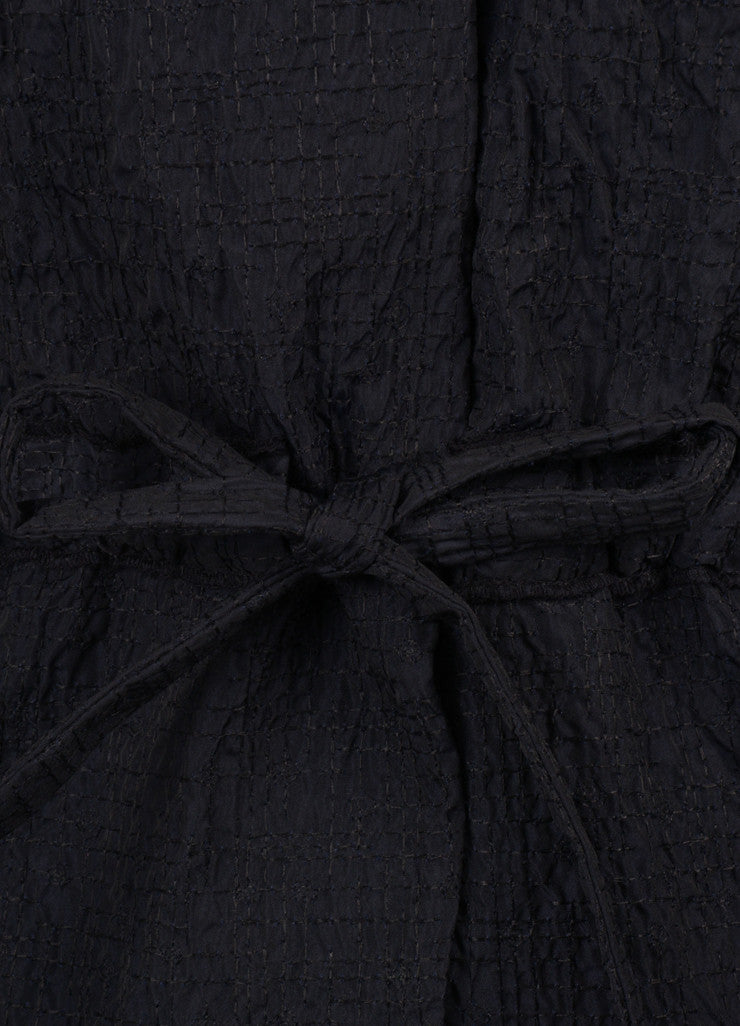 Vera Wang Black Crinkle Textured Drawstring Detail Short Sleeve Dress Coat Detail
