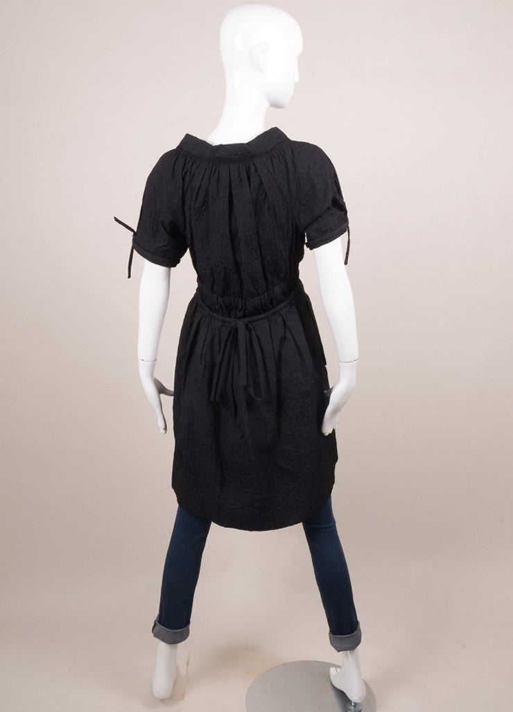 Vera Wang Black Crinkle Textured Drawstring Detail Short Sleeve Dress Coat Backview