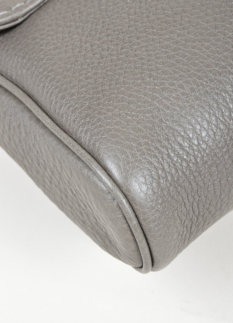 "Grey Gucci Pebbled Leather Chain ""Greenwich"" Evening Shoulder Bag Detail"