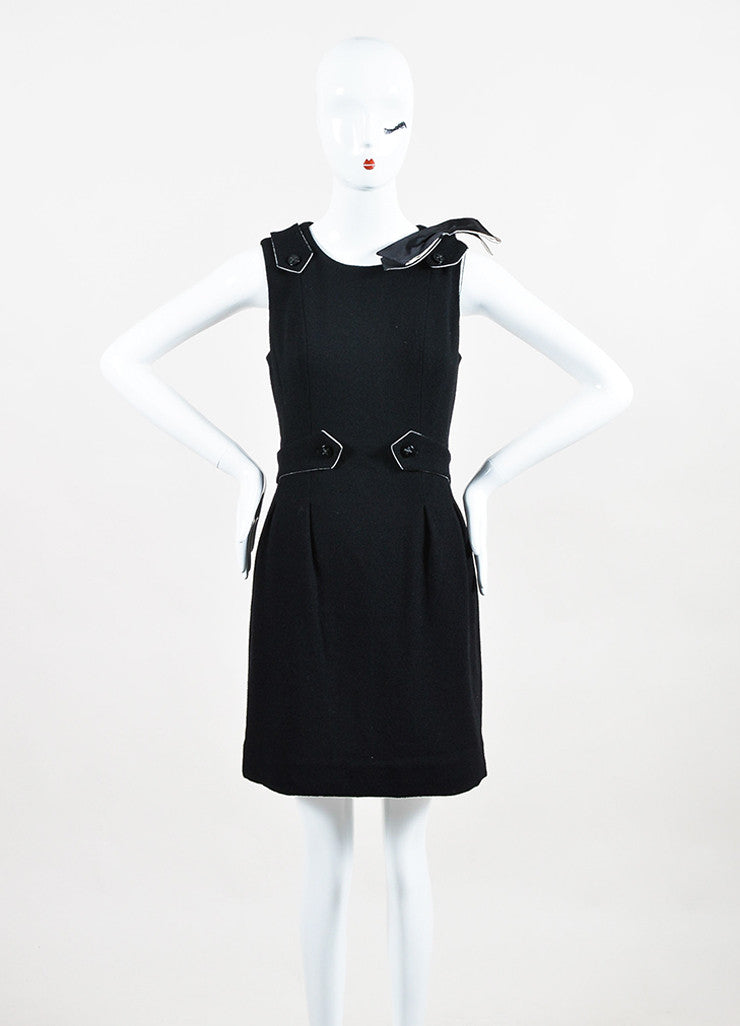 Chanel Black and White Wool and Silk Bow Brooch Detailed Sleeveless Dress Frontview