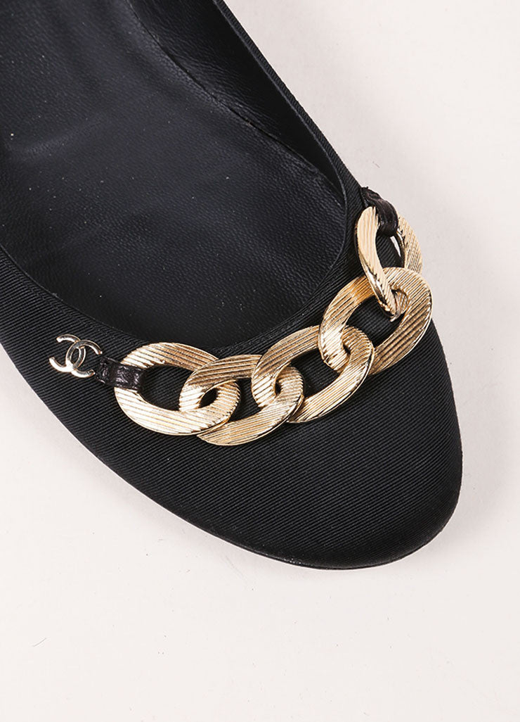 "Chanel Black and Gold Toned Chain ""CC"" Detail Flats Detail"