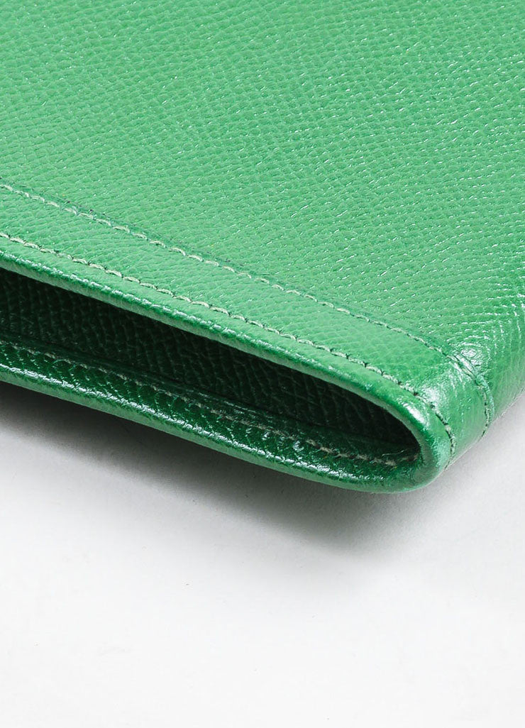 "Green Hermes Pebbled Leather ""Jige"" 'H' Envelope Clutch Bag Detail"