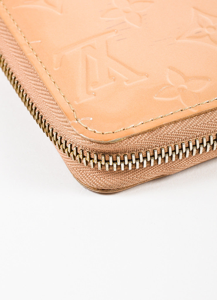 "Louis Vuitton Nude ""Noisette"" Vernis Patent Leather Monogram ""Zippy"" Wallet Detail"