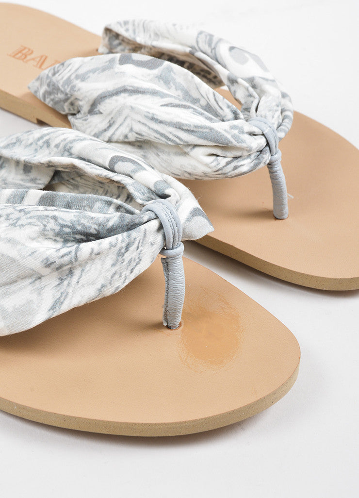Balmain Grey and White Abstract Printed Leather Thong Strap Flat Sandals Detail