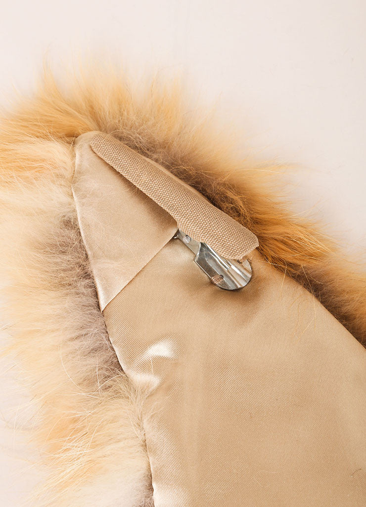 "C/FAN New With Tags Tan and Cream Natural Fox Fur ""Brett"" Clip On Collar Detail"