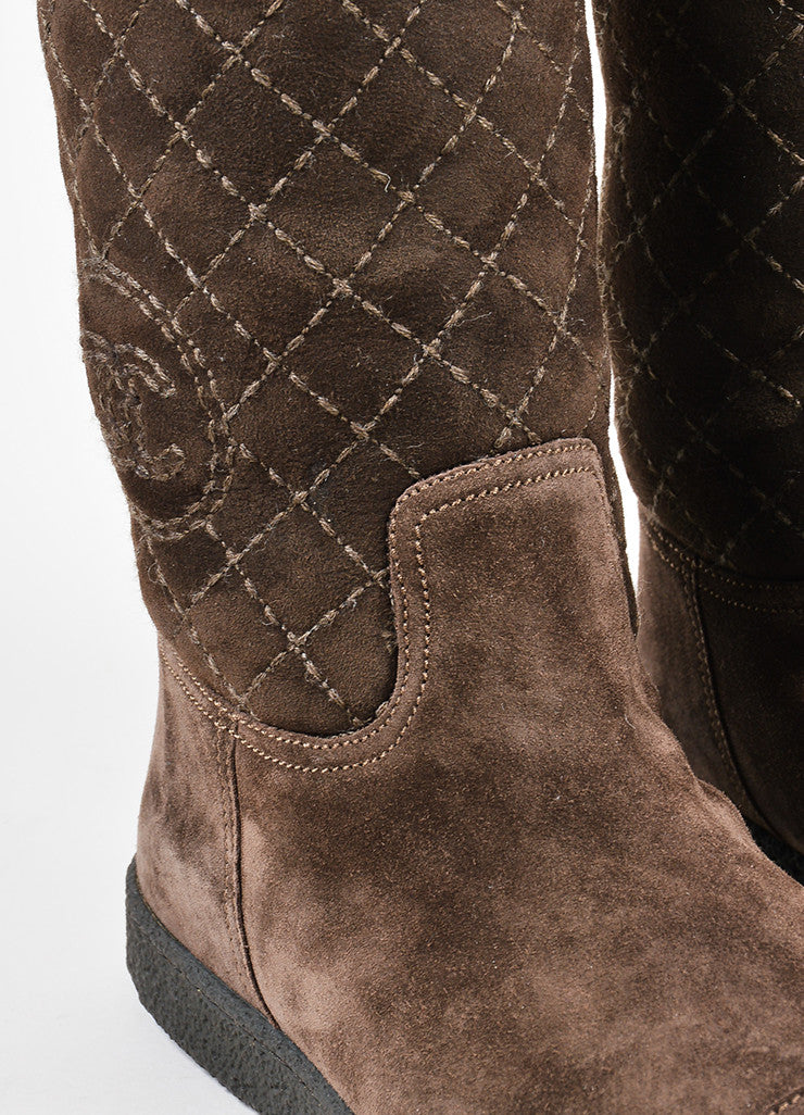Chanel Brown Shearling Lined Quilted 'CC' Logo Winter Boots Detail