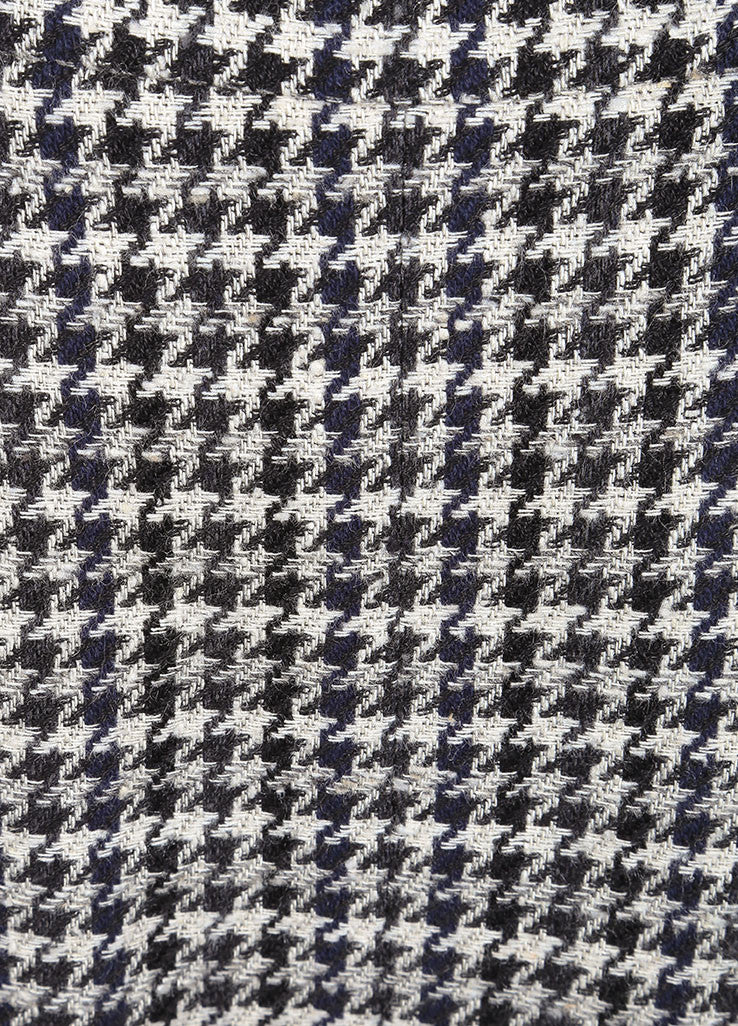 Chanel Black and White Houndstooth Knit Pleated Knee Length Pencil Skirt Detail