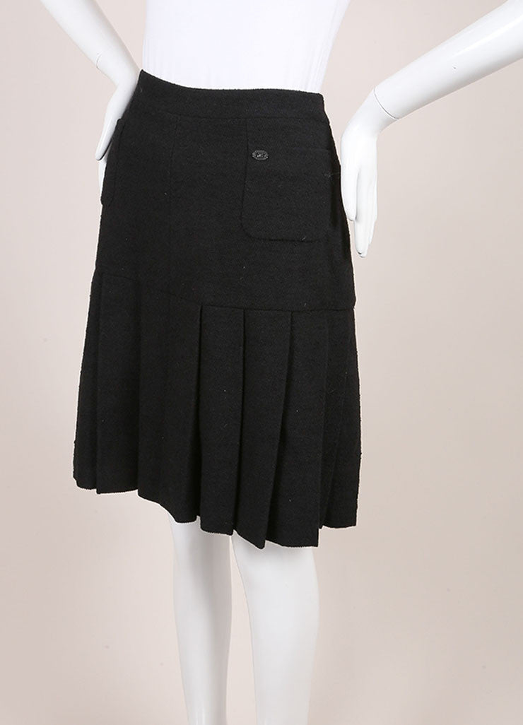 Chanel 05A Black Wool Cotton Tweed Knee Length Pleated Skirt SZ 46 Sideview
