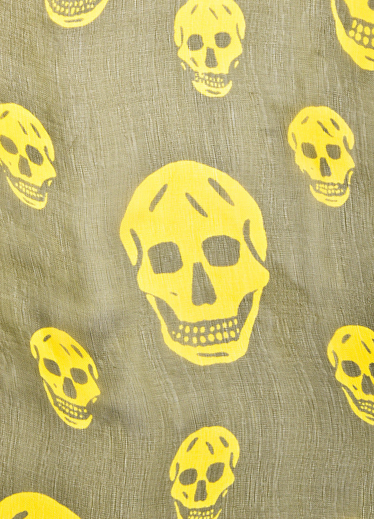 å´?ÌÜAlexander McQueen Olive Green and Yellow Skull Sheer Square Scarf Detail