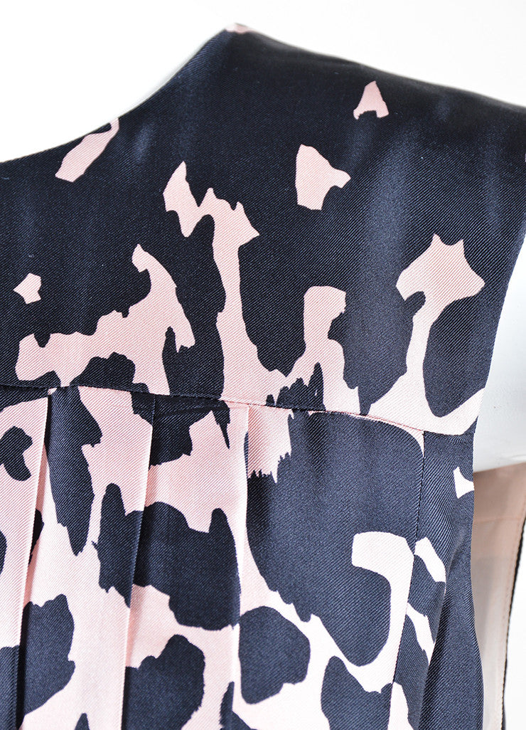 J. Mendel Pink and Black Silk Printed Pleated Belted Sleeveless Dress Detail