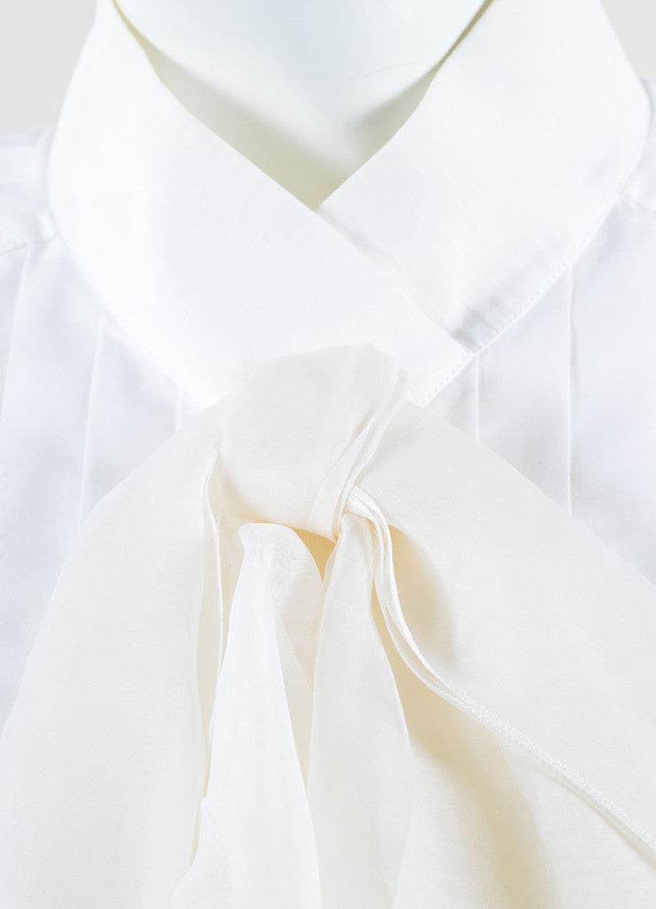 Chanel White Poplin Silk Chiffon Bow Pleated Sleeveless Blouse Detail