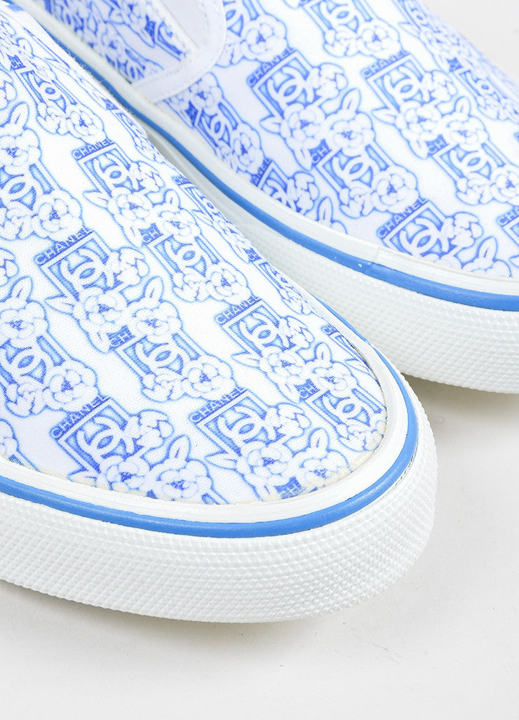 White and Blue Chanel 'CC' Logo Camellia Flower Print Round Slip On Sneakers Detail