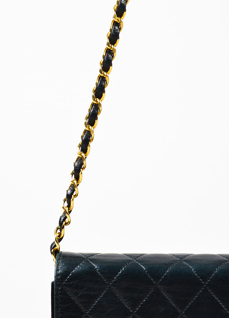 "äó¢íšíóChanel Black Leather Quilted Single Flap Chain Strap ""CC"" Shoulder Bag Detail 2"