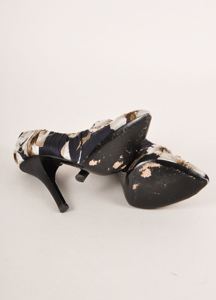 Dolce & Gabbana Black and Grey Floral Print Ruched Satin Pointed Toe Pumps Outsoles