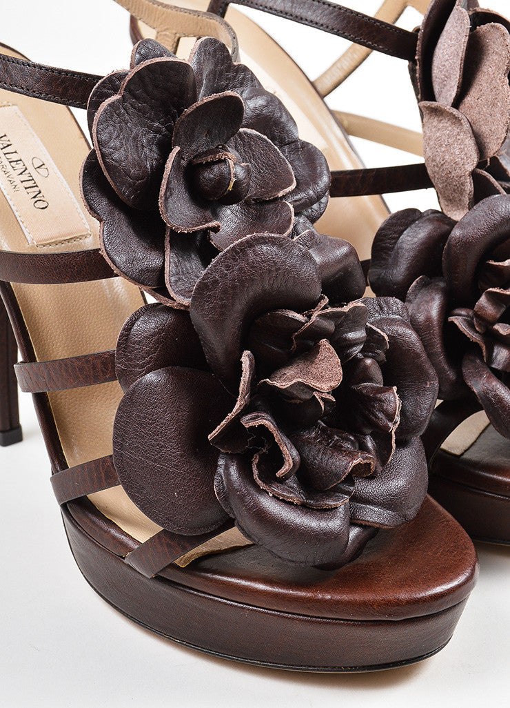 Brown Valentino Leather Oversized Flower Strappy Ankle Strap Sandals Detail