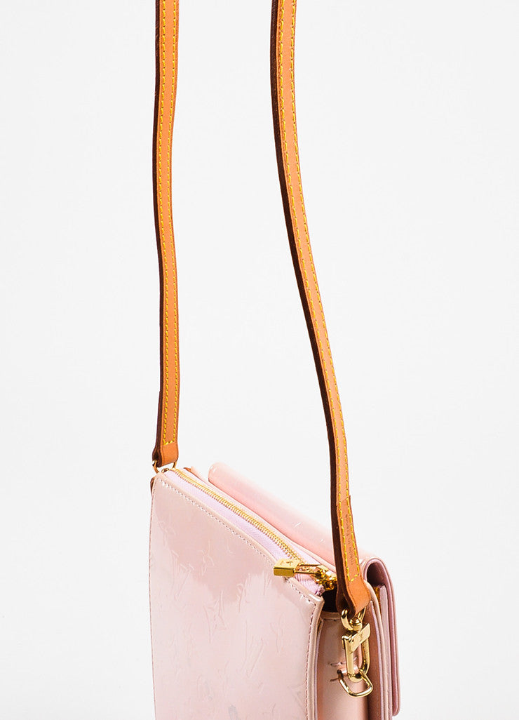 "Louis Vuitton Baby Pink Vernis Leather Embossed ""Mott"" Crossbody Bag Detail 2"