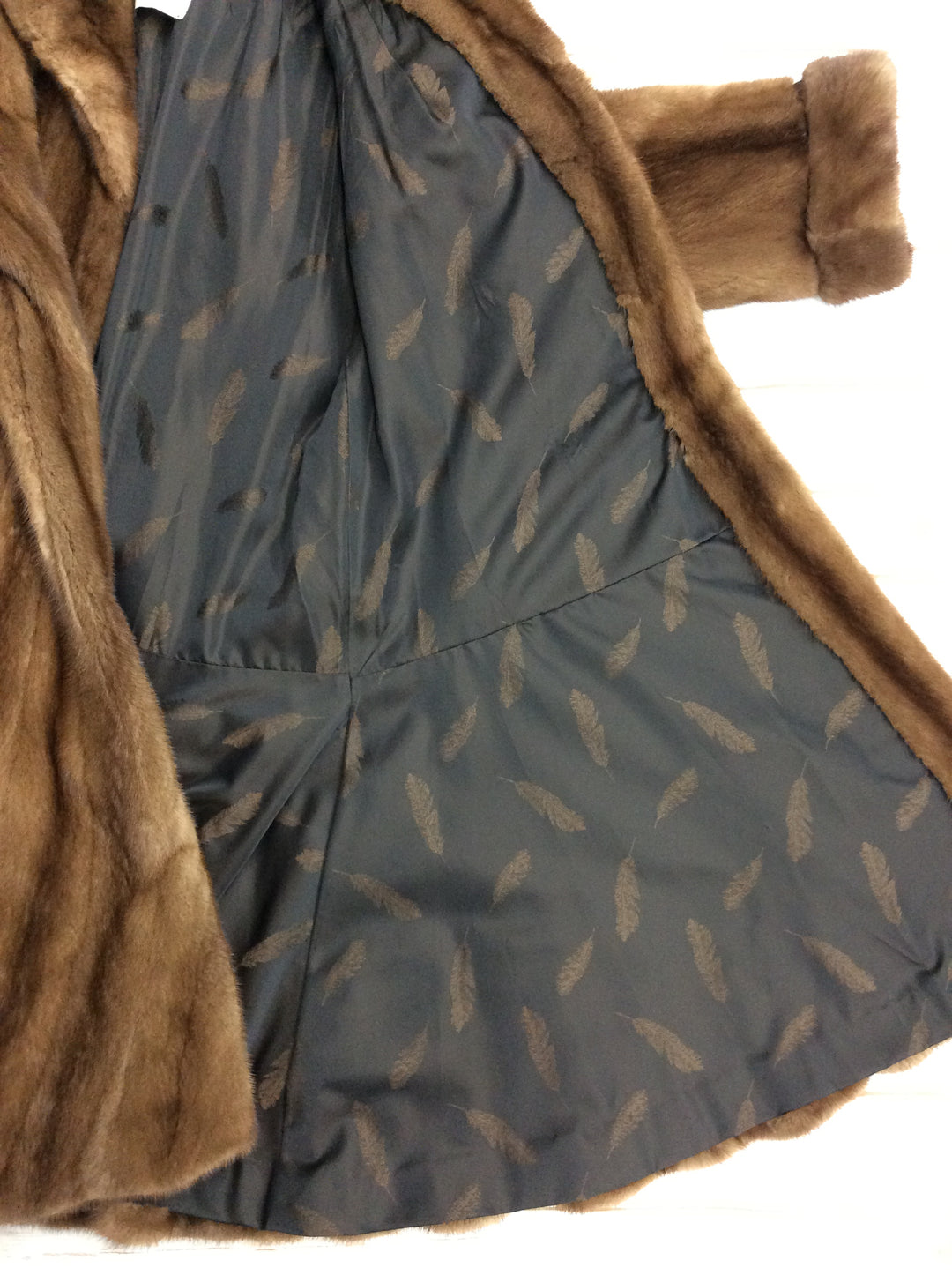 Photo #2 - BRAND: CMA <BR>STYLE: COAT LONG <BR>COLOR: BROWN <BR>OTHER INFO: BROMS - SIZE S-M<BR>SKU: 220-22090-7016<BR>MINK FUR COAT, EXCELLENT CONDITION, RETAILS FOR $4000