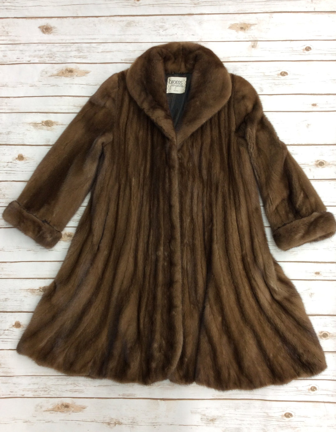Primary Photo - BRAND: CMA <BR>STYLE: COAT LONG <BR>COLOR: BROWN <BR>OTHER INFO: BROMS - SIZE S-M<BR>SKU: 220-22090-7016<BR>MINK FUR COAT, EXCELLENT CONDITION, RETAILS FOR $4000
