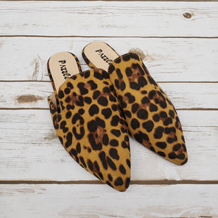 Primary Photo - BRAND:    CLOTHES MENTOR STYLE: SHOES FLATS COLOR: ANIMAL PRINT SIZE: 8 OTHER INFO: PAZZLE - SKU: 220-22012-31890
